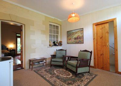Oregon Room - living area
